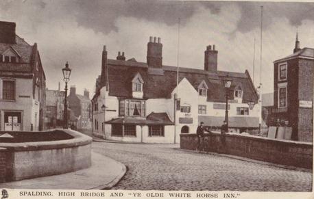 Ye old White Horse Inn  Postcard
