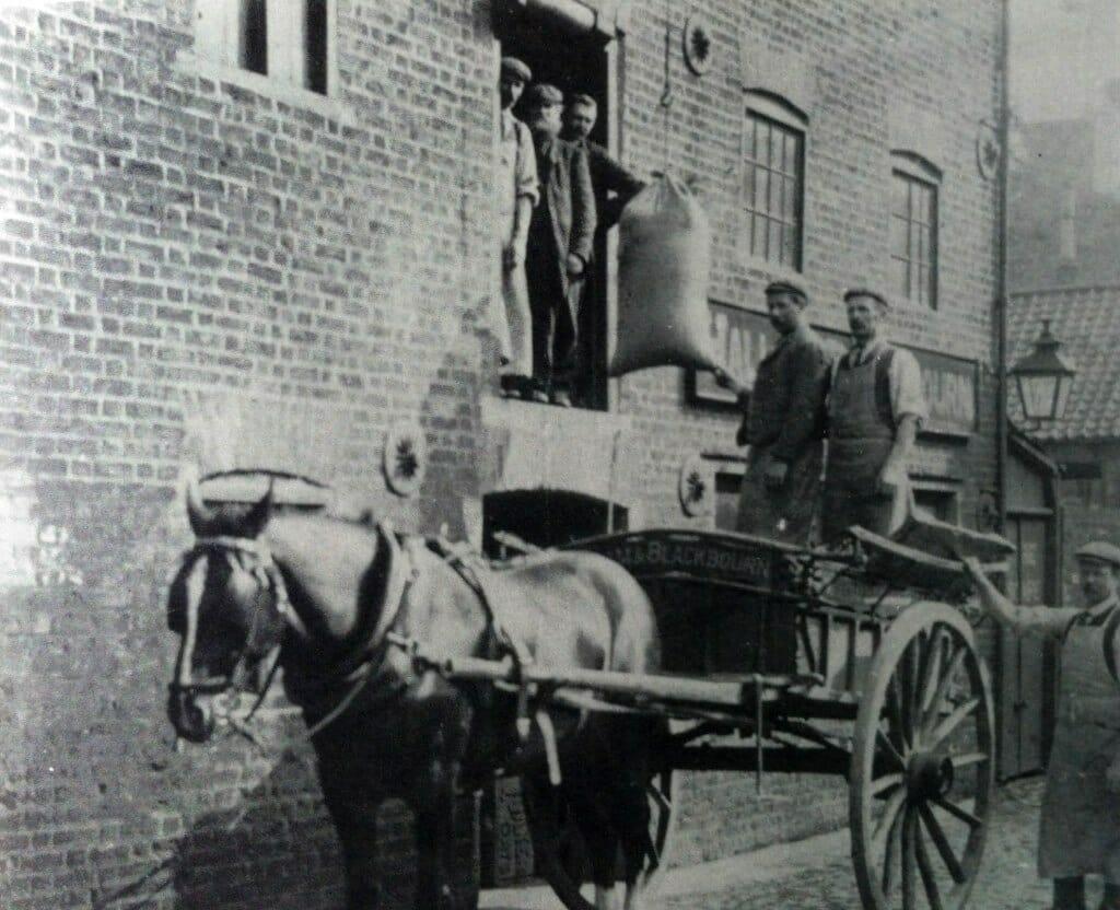 Hallam & Blackbourn Warehouse, Spalding