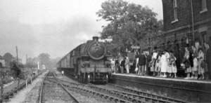 AOS P 1808 long sutton station, last sunday excursion to hunstanton 14th sept 1958