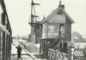 AOS P 1768 holbeach station 1959 train to spalding