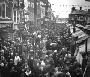 AOS P 2503 market place 1966 tulip time. packed