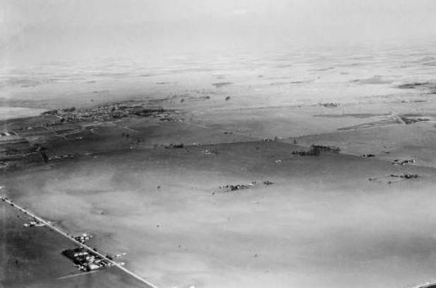Draining The Fens 1947