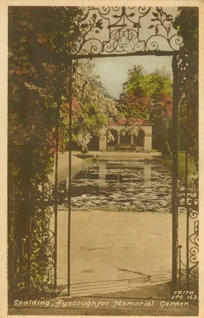 Postcard of Ayscoughfee Memorial Garden, Spalding