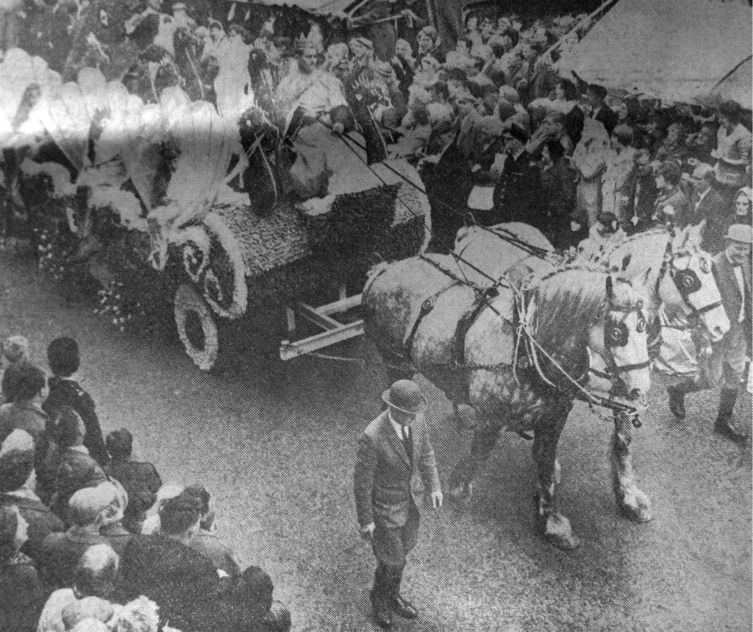 West Pinchbeck Float, Spalding Flower Parade 1965