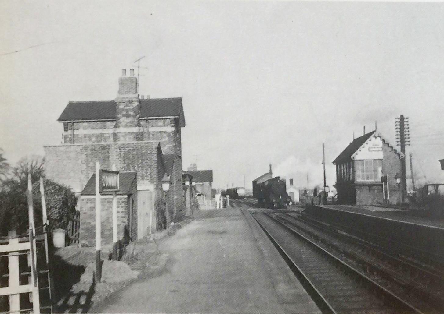 Cowbit Station