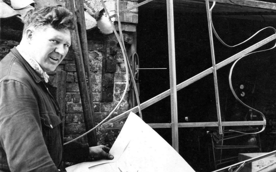 Geoff Dodd building one of the first Flower Parade Floats