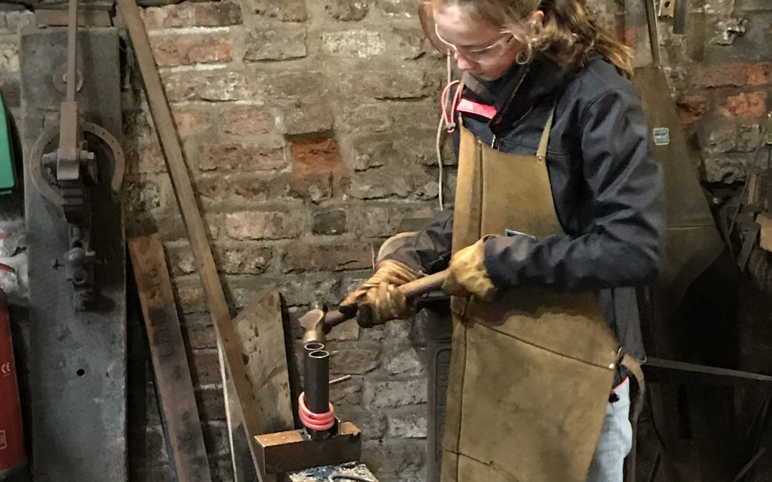 Chain Link Making at the Forge